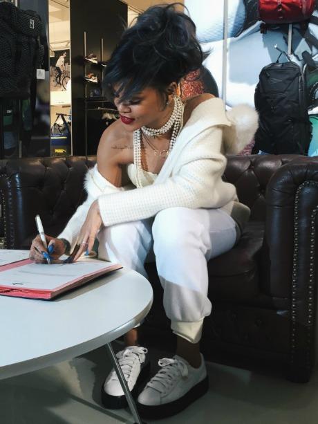 Rihanna-Partners-With-PUMA4-640x853