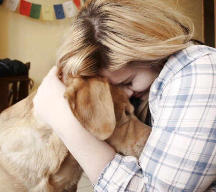 1363621215 blonde-dog-girl-hug-true-love-favim.com-64215