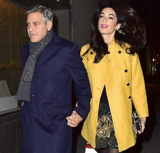266DB42700000578-2984720-Date night George and Amal Clooney walked hand in hand while arr-a-32 1425785239791 110f6