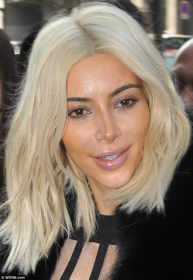 2671351E00000578-2985326-Coutour gone wrong Kim Kardashian had a rare makeup fail when a -a-17 1425836915682 883f6