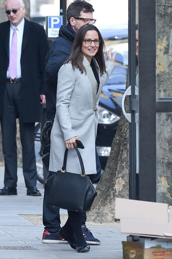 pippa-middleton-fashion-coat-london-photos-02 6b4ea