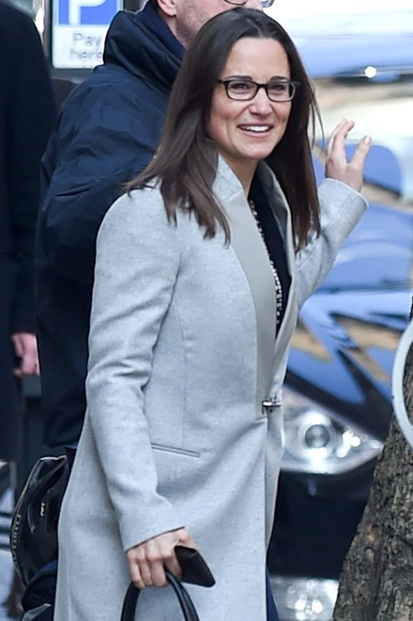 pippa-middleton-fashion-coat-london-photos-05 457aa