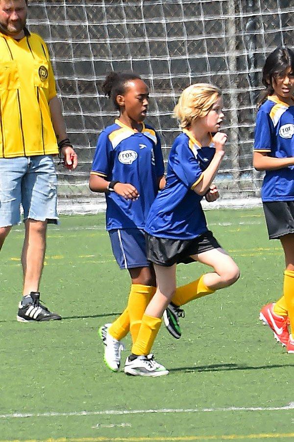 shiloh-jolie-pitt-zahara-playing-soccer-photos-12 f10ce