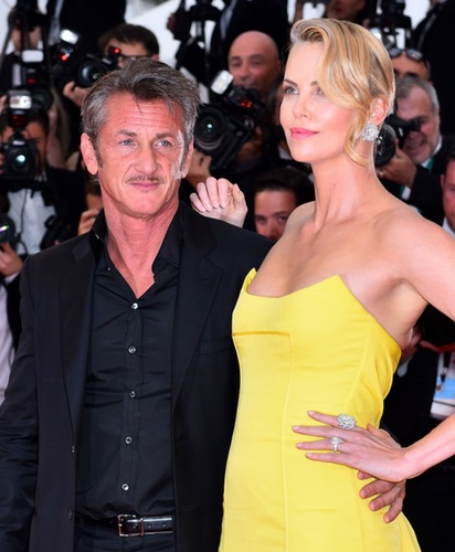 charlize-theron-sean-penn-wedding 873d9