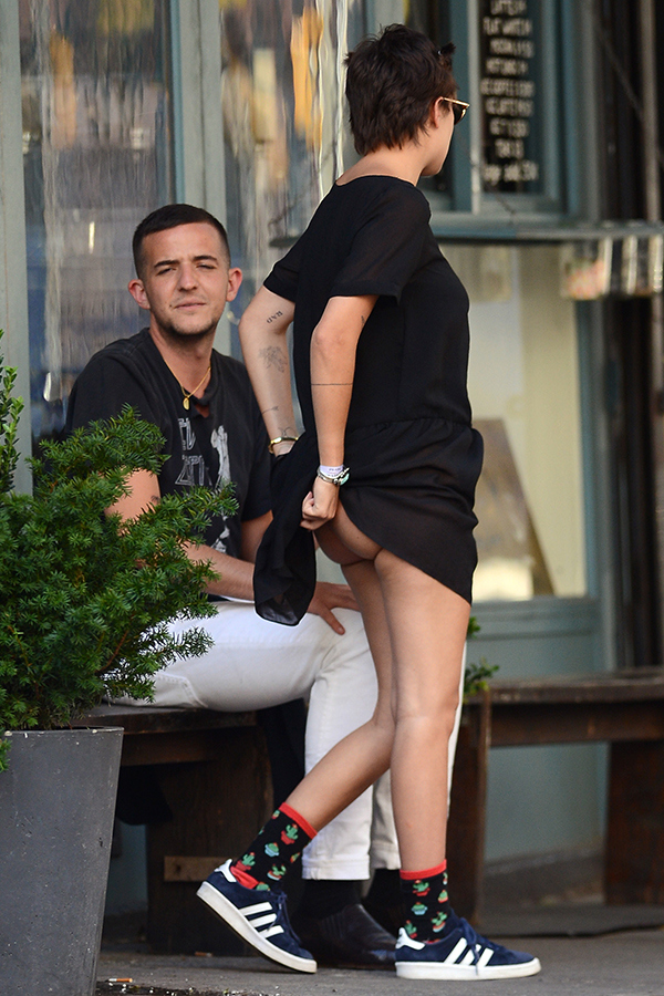 tallulah-willis-butt-wardrobe-malfunction-7 d4cad