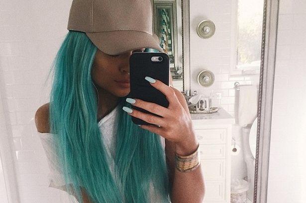 Kylie-Jenner 6878e f79b2