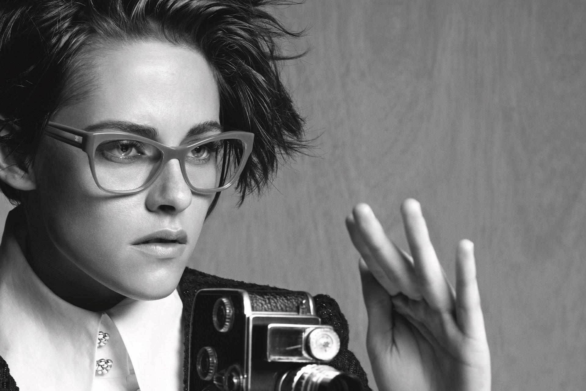 CHANEL-eyewear-kristen-stewart-Karl-Lagerfeld-1-vogue-8apr15-pr b b39ef
