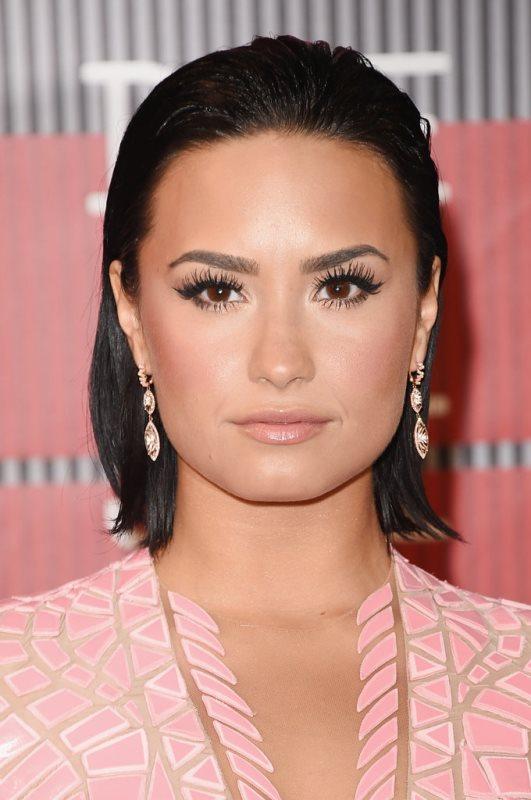 Demi-Lovato e07c8