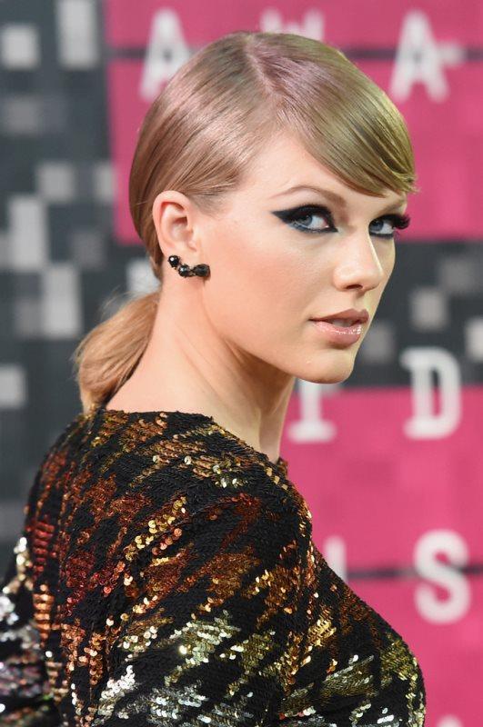 Taylor-Swift 6d135