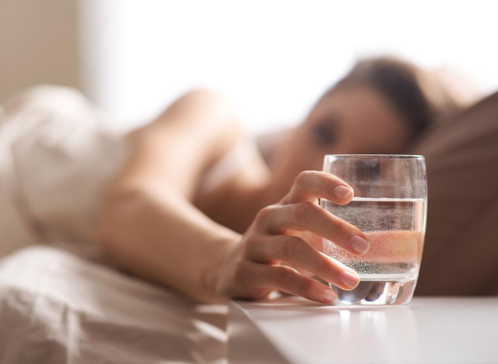 water-glass-bed 9eca7