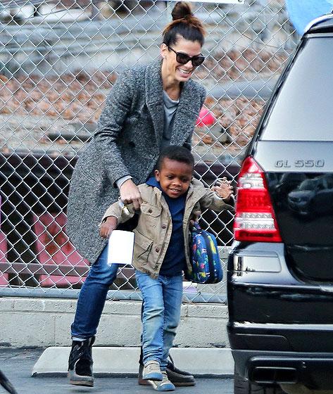 sandra bullock with her son f2337