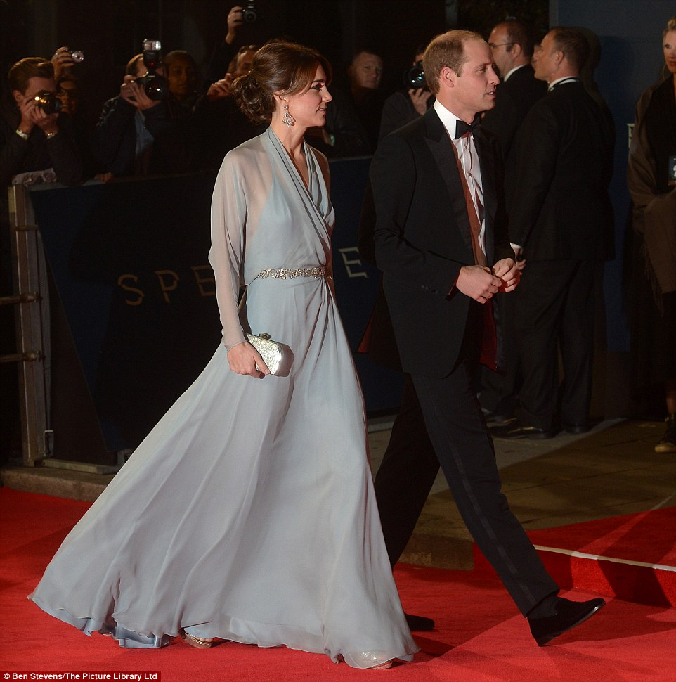 2DCFFA9D00000578-3290502-Stunning The premiere was also attended by the Duke and Duchess -m-1 1445890786661 0e672