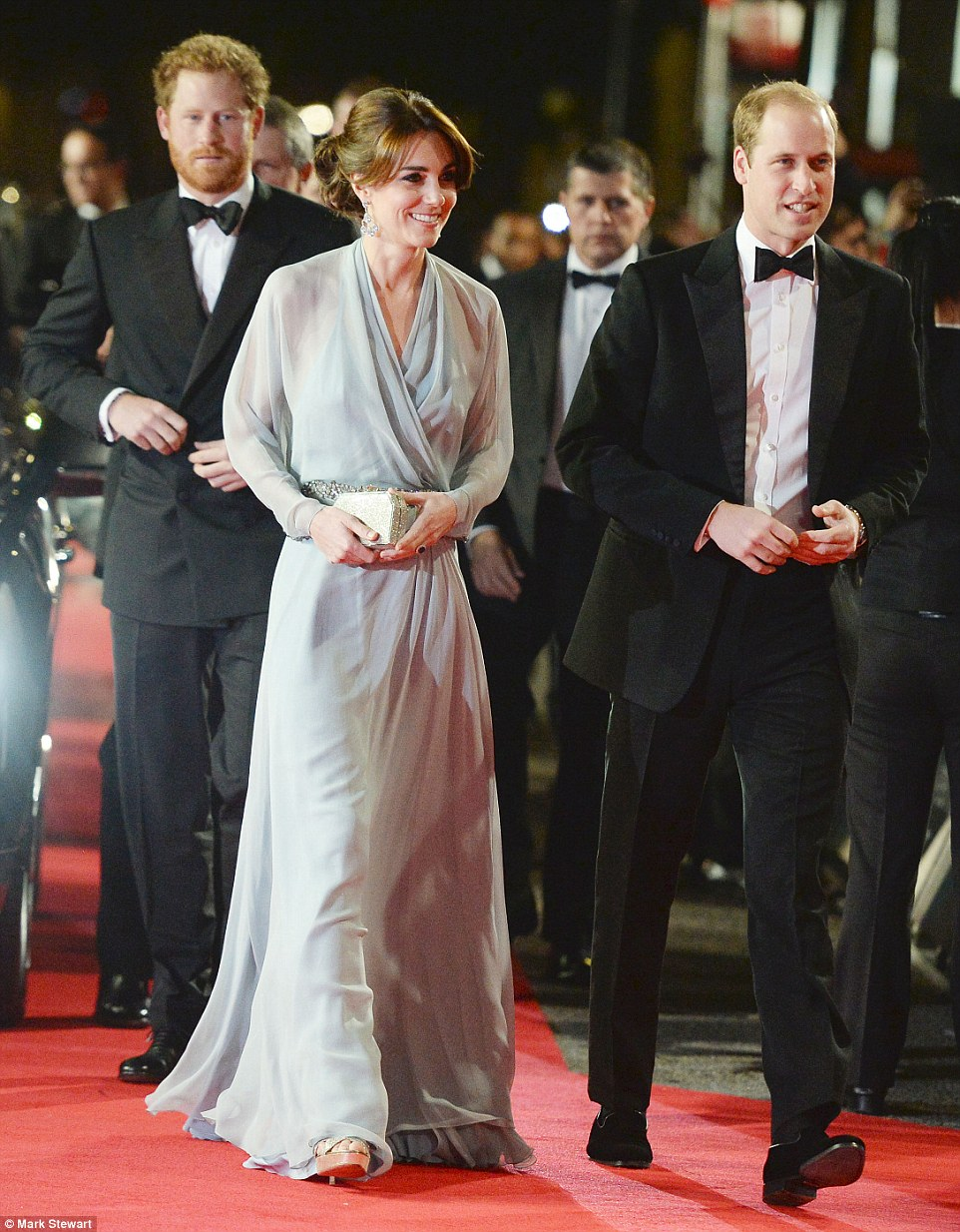 2DCFFB4500000578-3290524-The Duchess opted for a Jenny Packham gown for the occasion choo-a-16 1445894409581 d8fa5