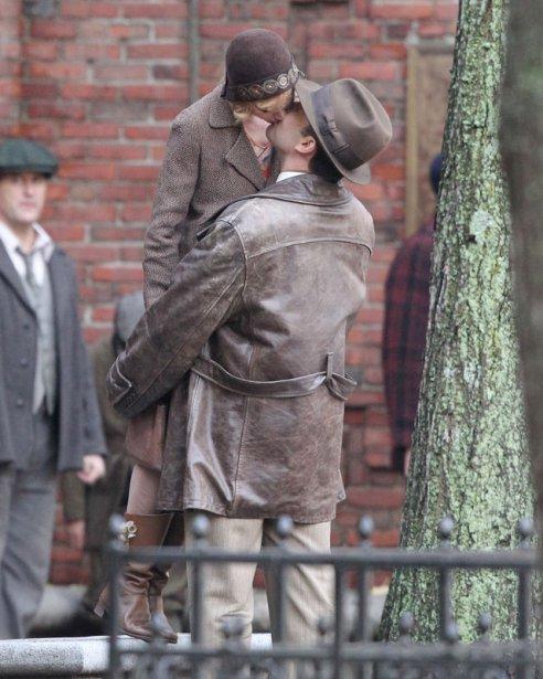 sienna miller ben affleck kiss movie set boston 007 4ce4a