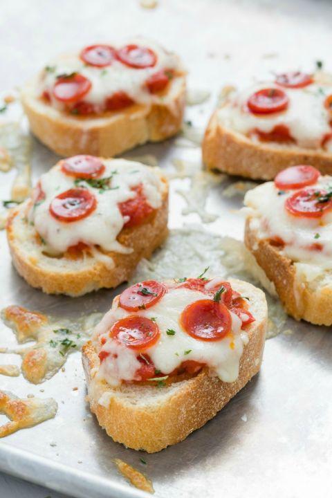1449252593 delish crostini pizza f57d1