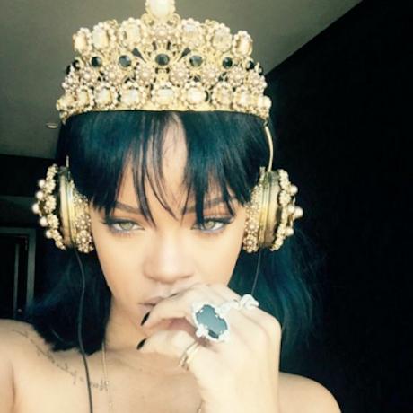 Rihanna Instagram Headphones ojnm75 3d9c8