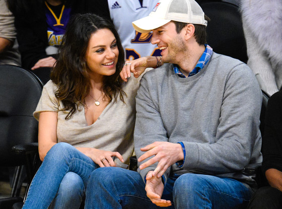 rs 560x415 141220091957 1024.Ashton Kutcher Mila Kunis Date Night Lakers.jl.122014 883bf