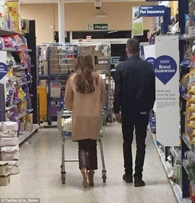 31A5DD3300000578 3468051 Pictured New couple Liam Payne and Cheryl Fernandez Versini appe a 20 1456669289889 1 0d2a3