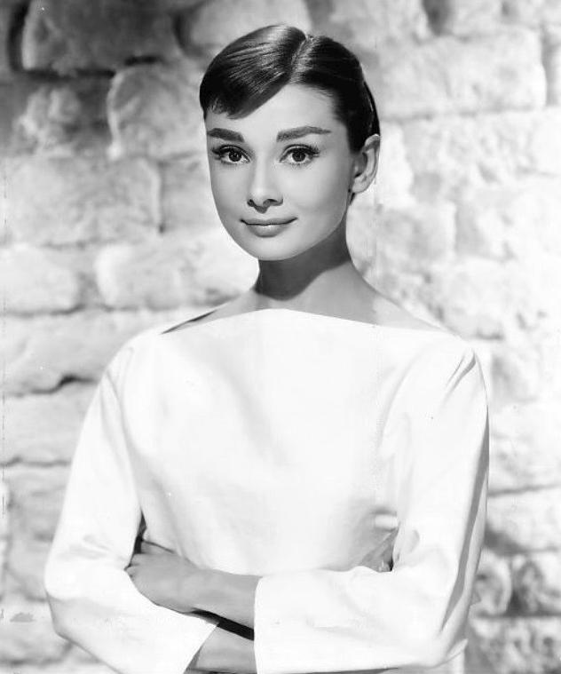 Audrey Hepburn 1956 a7ccf