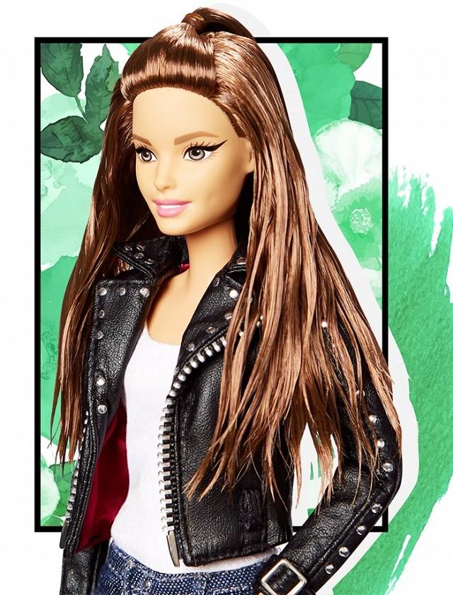 exclusive jen atkin transformed barbies hair kardashian style 1736766.640x0c 63ae2