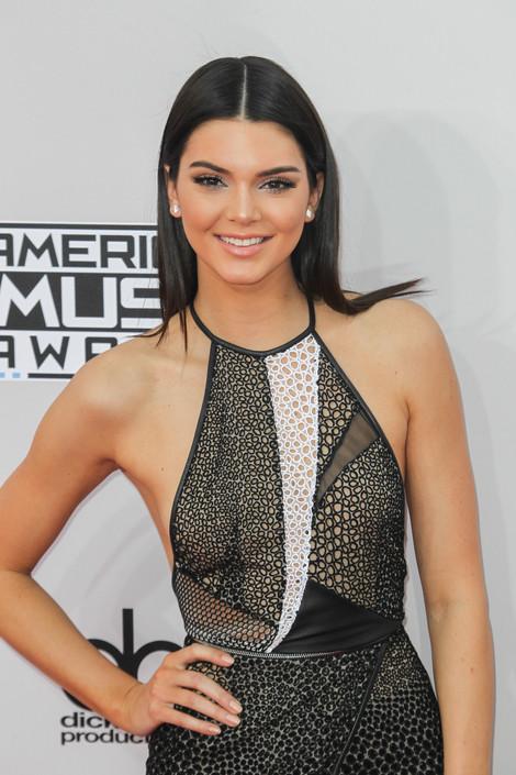 Kendall Jenner 3 20141124 19 e3fa8