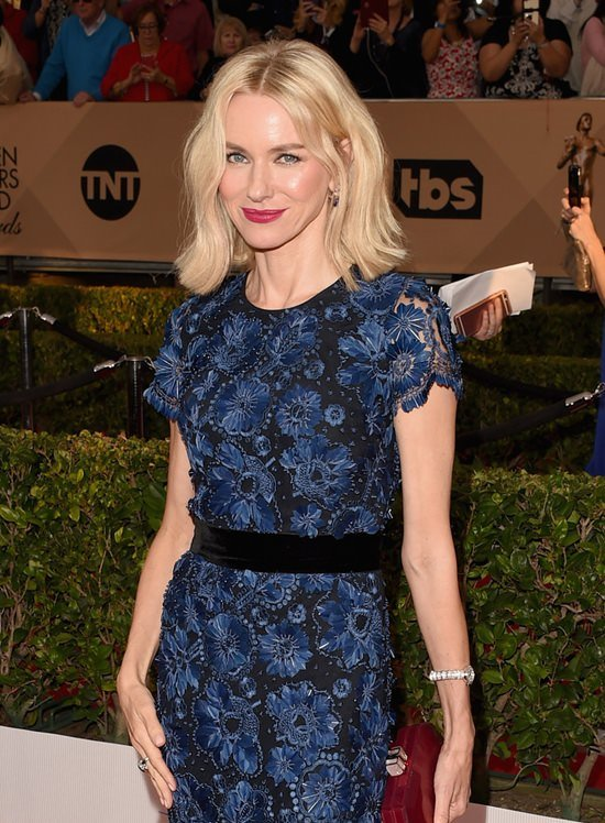 Liev Schreiber Naomi Watts SAG 2016 Awards Red Carpet Fashioon Burberry Tom Lorenzo Site 4 833d0