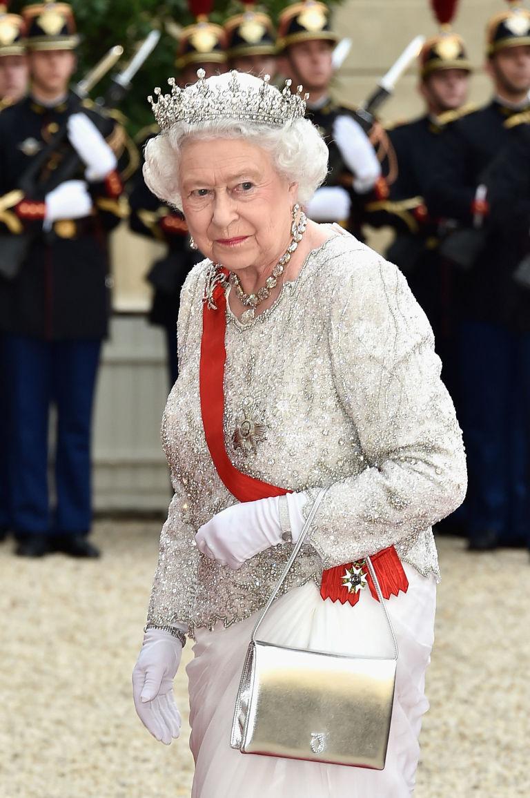 gallery 1459529190 queen elizabeth launer purse e86a2