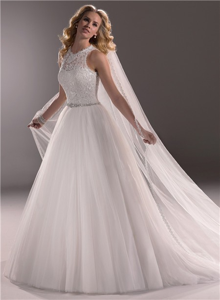 Modern Ball Gown Scoop Neck Lace Tulle Wedding Dress With Crystals Buttons b4570