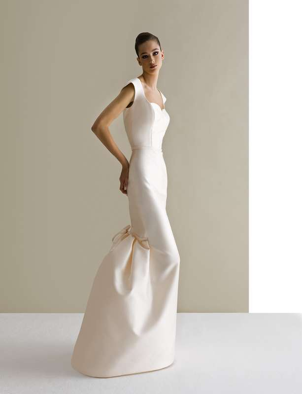 Wedding dresses 2015 as for accessories on the veil in place of more hairstyles minimal with V necklines and short dresses skirts with a cloud for brides 13 2b78c
