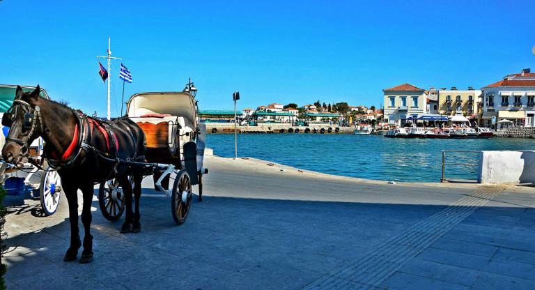 spetses island pic 768x416 1f401