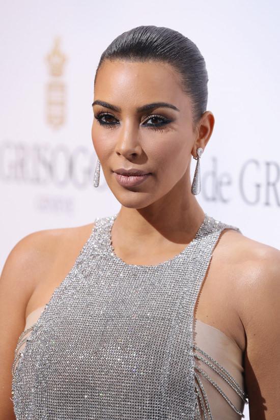 Kim Kardashian De Grisogono Party Cannes 2016 Red Carpet Fashion Yan Lu Couture Tom Lorenzo Site 6 82663