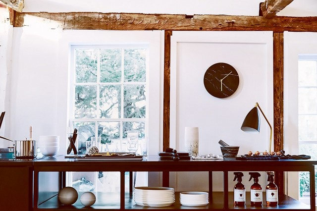 inside a stunning hamptons home thats 100 shoppable 1793202 1464988527.640x0c f8d67