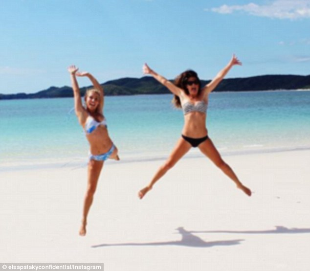 35255AE400000578 3636361 Jumping for joy Elsa Pataky L also took to social media to share m 93 1465624026302 0ff62