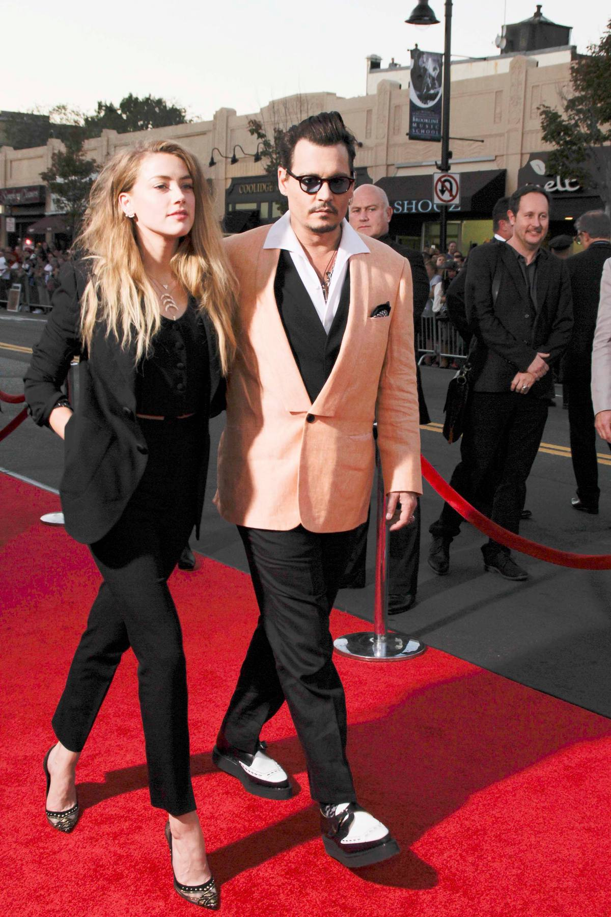 amber heard johnny depp with dakota johnson at black mass boston premiere