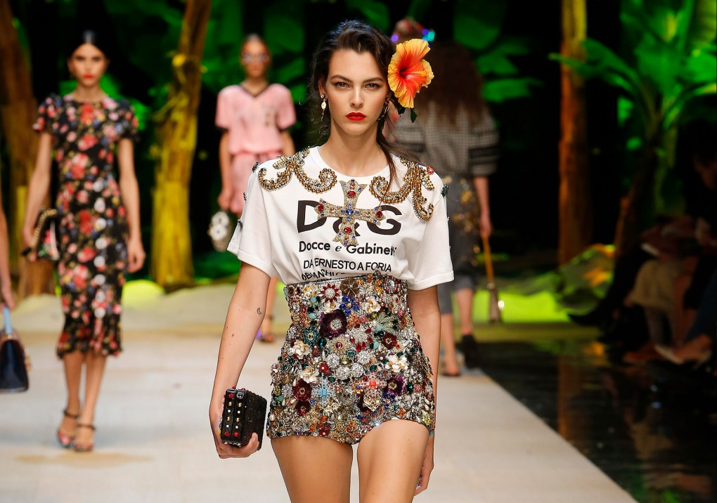 dolce and gabbana summer 2017 women fashion show runway 1020x716