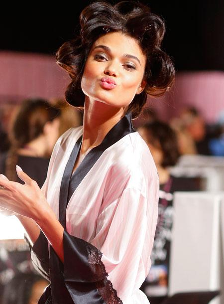 fashion show hair makeup 2014 model daniela braga victorias secret