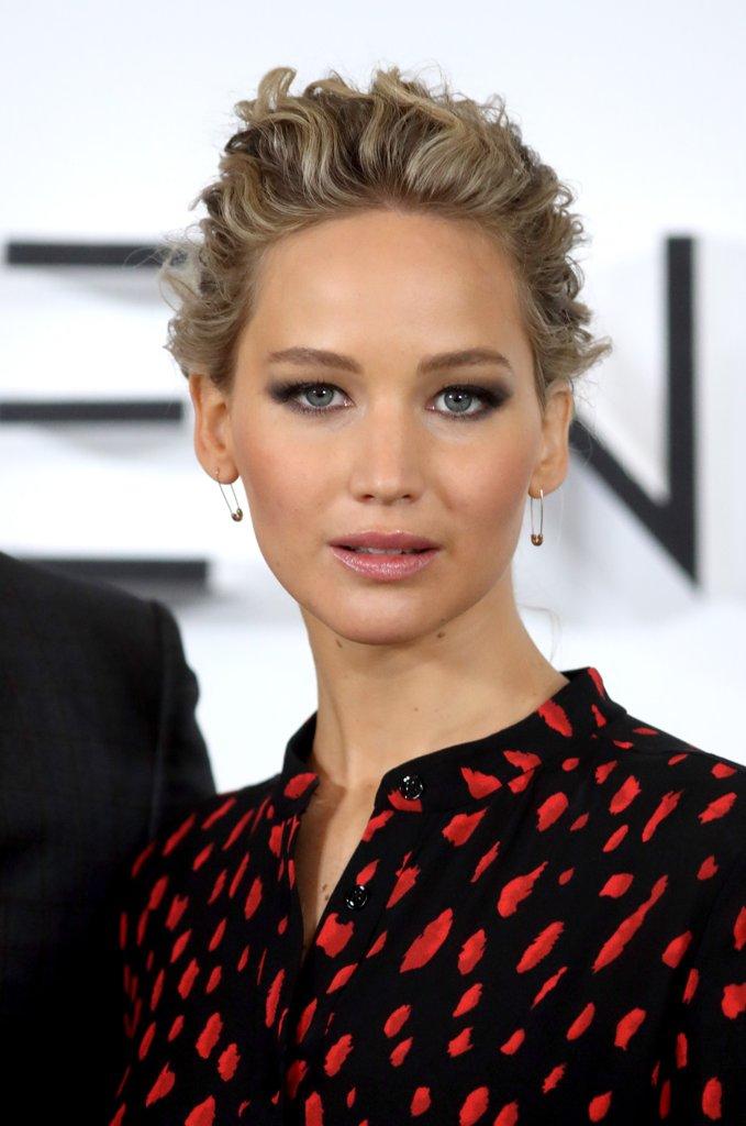 Jennifer Lawrence Braid Passengers Premiere 2