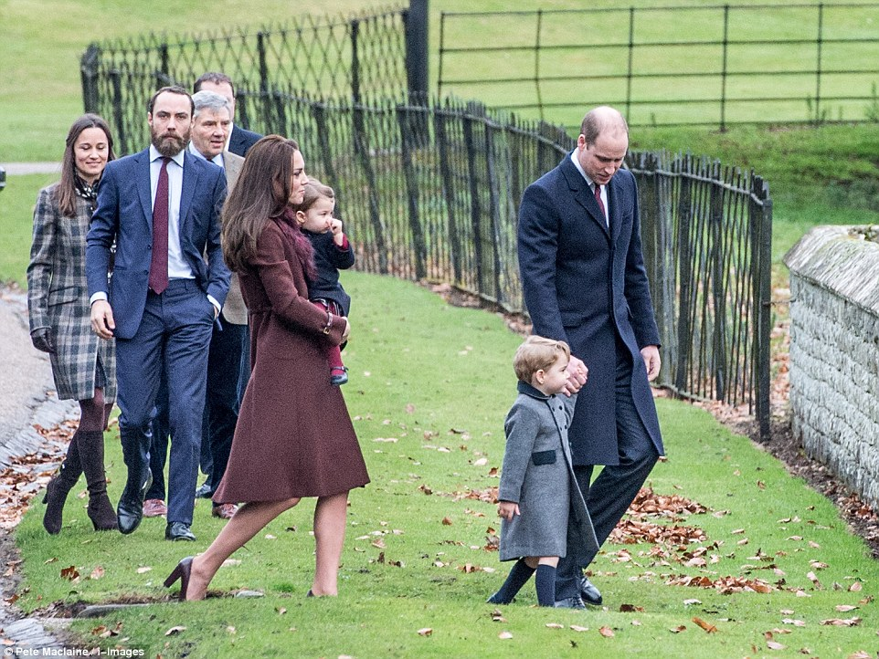3B9FFAC400000578 4064832 William and Kate Prince George and Princess Charlotte and Kate s a 45 1482663667946