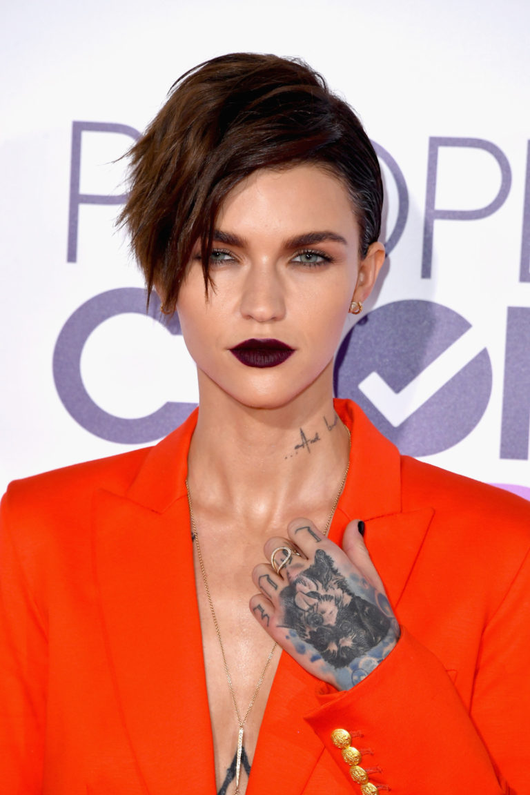 peoples choice awards 2017 beauty ruby rose 768x1152
