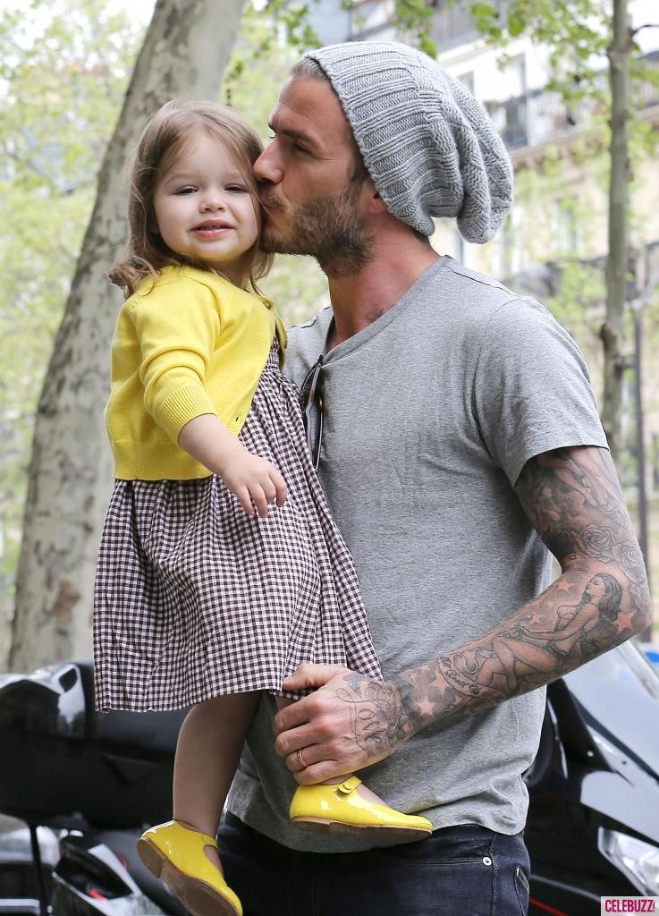 DAVID BECKHAM KISSES HER DAUGHTER HARPER a0e28 f4b9b