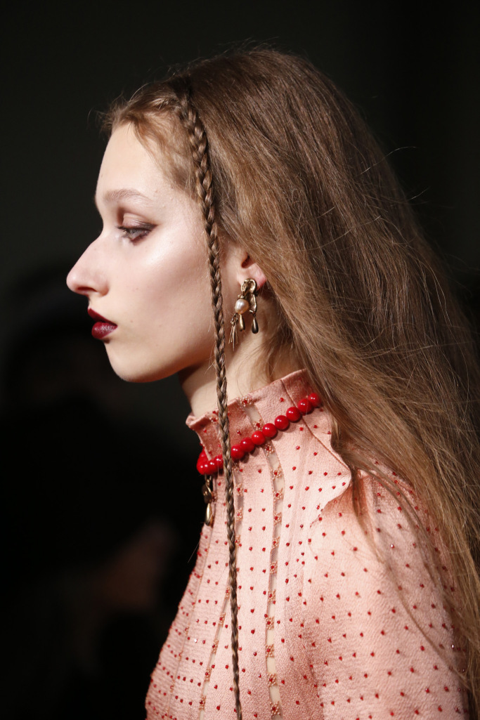 details at valentino rtw fall 2017 collection paris fashion week pfw ss17 108