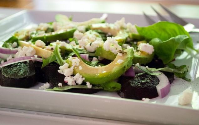Beet and Avocado Salad31 700x4451