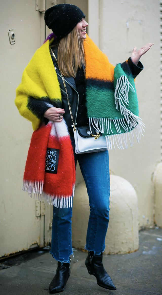 how to wear a blanket scarf 239898 1511713325313 image.640x0c