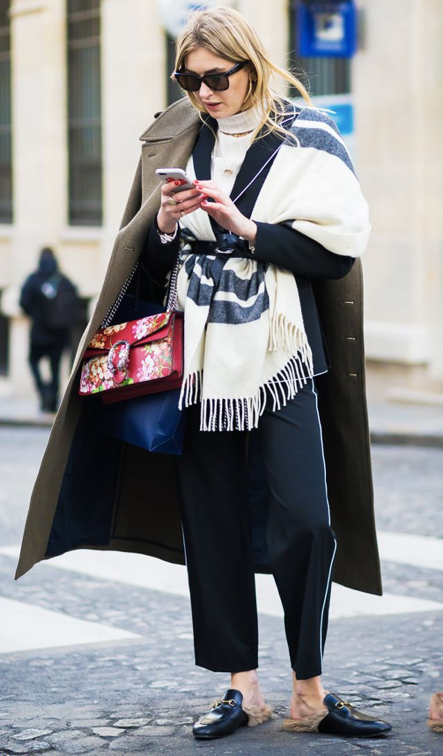 how to wear a blanket scarf 239898 1511713336476 image.640x0c