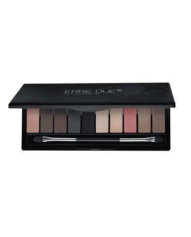 eyeshadow palette 002 brush 900x1115 copy
