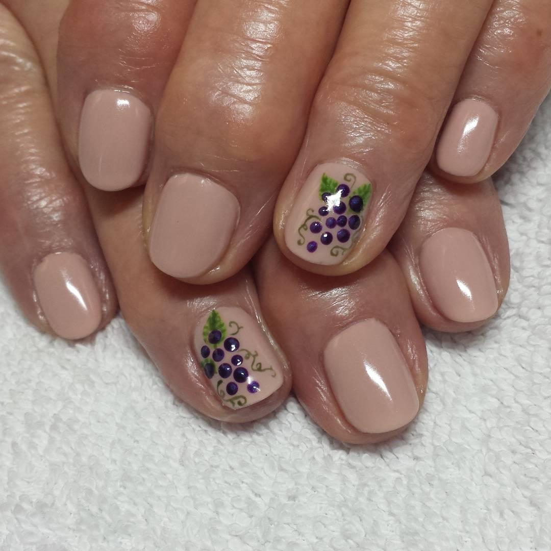 grape nails