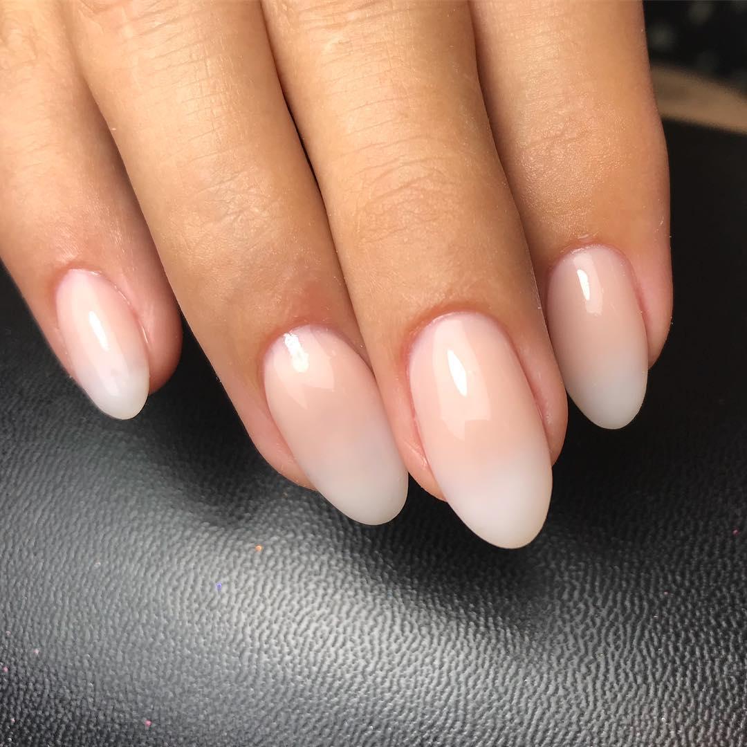 Εσύ ξέρεις τι είναι τα baby boomer nails; - Queen.gr