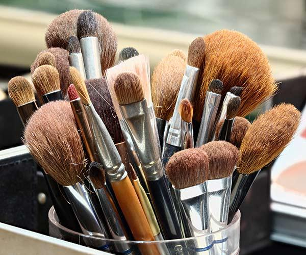 clean makeup brushes 3