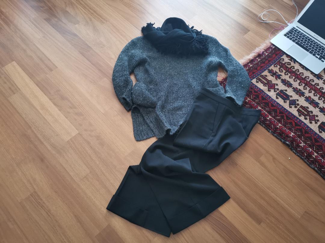 pulover loose panteloni salamoura