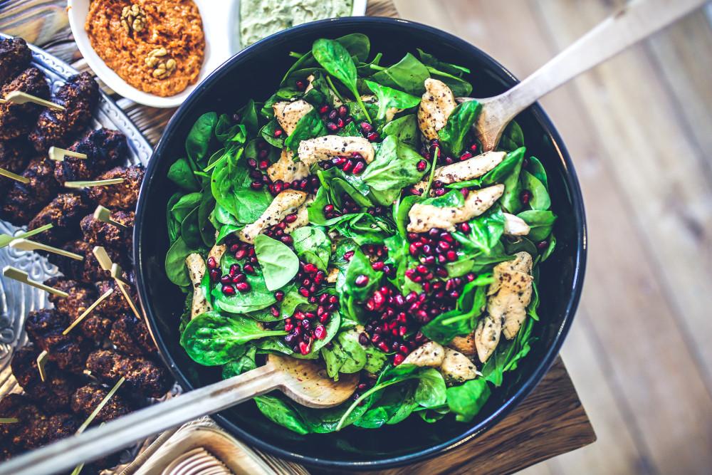 spinach chicken pomegranate salad 5938